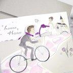 Hochzeitseinladung Braut und Bräutigam auf einem Fahrrad, Cardnovel 39220 Detail