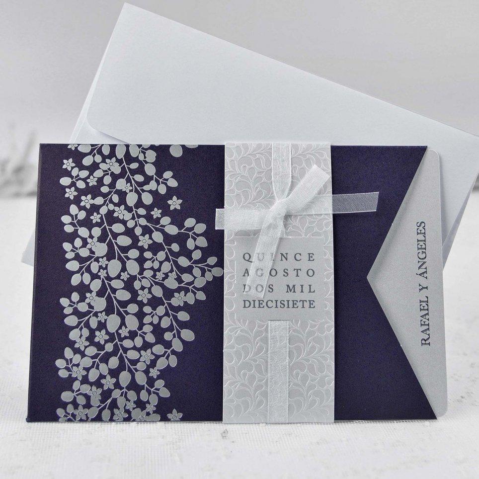 Hochzeitseinladung mit geprägten Blättern, Cardnovel 39111