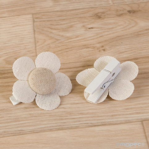 Pinza flor color marfil-beige lisa 4,5x4,5