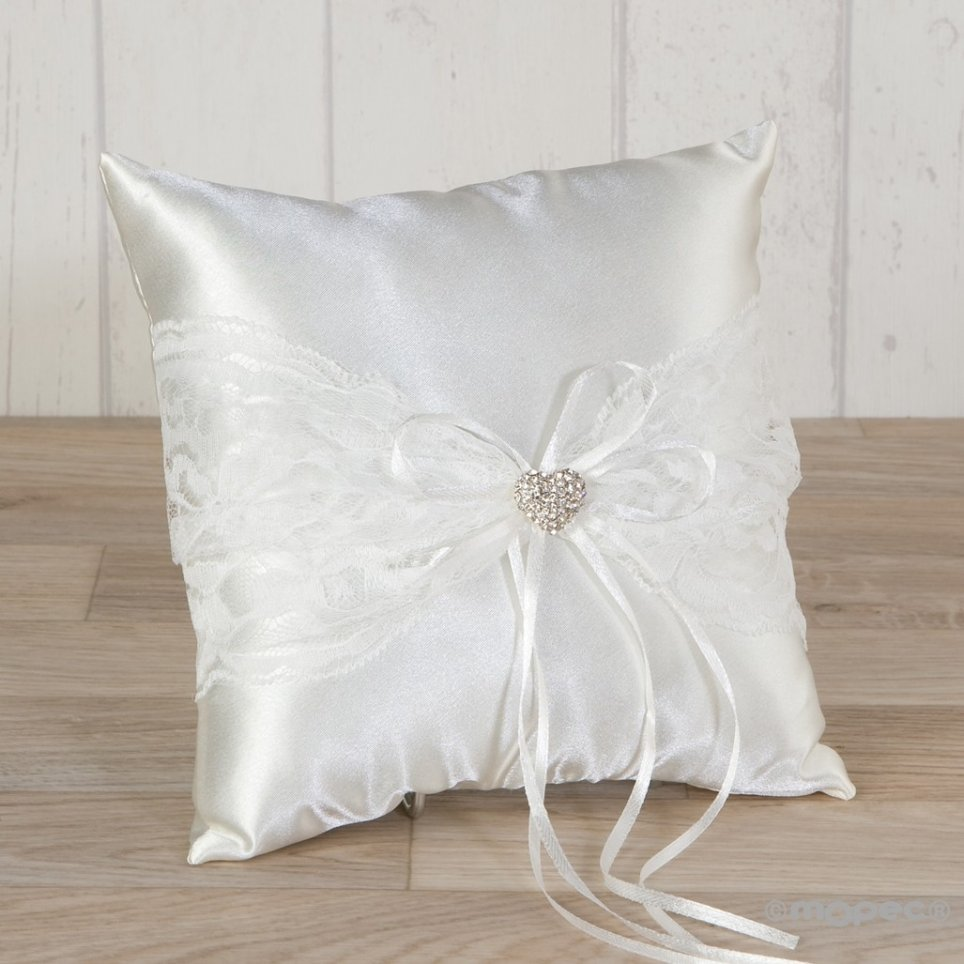 Cushion arras raso and blonda with heart of strass