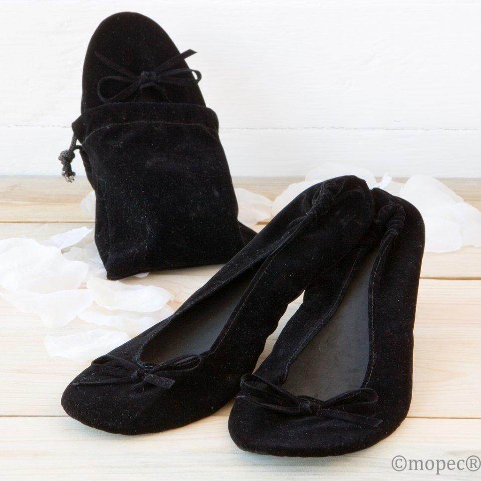 Ballerina aus schwarzem Samt mit Tasche