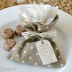 Brown bag 3 ivory flower chocolates