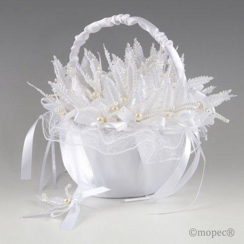 White tul basket on pearl leaf