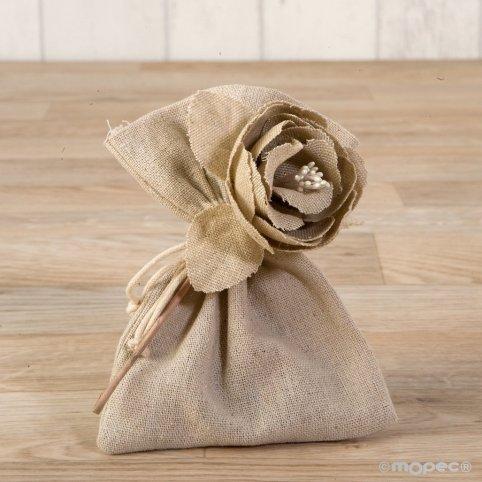 Beige cotton flower with 3 chocolates