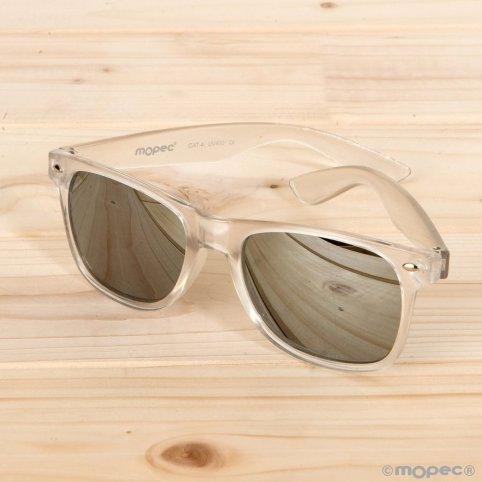 Silberne halbtransparente Sonnenbrille