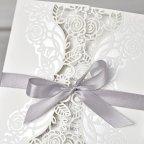 Invitación de boda tríptico floral Cardnovel 39340 detalle