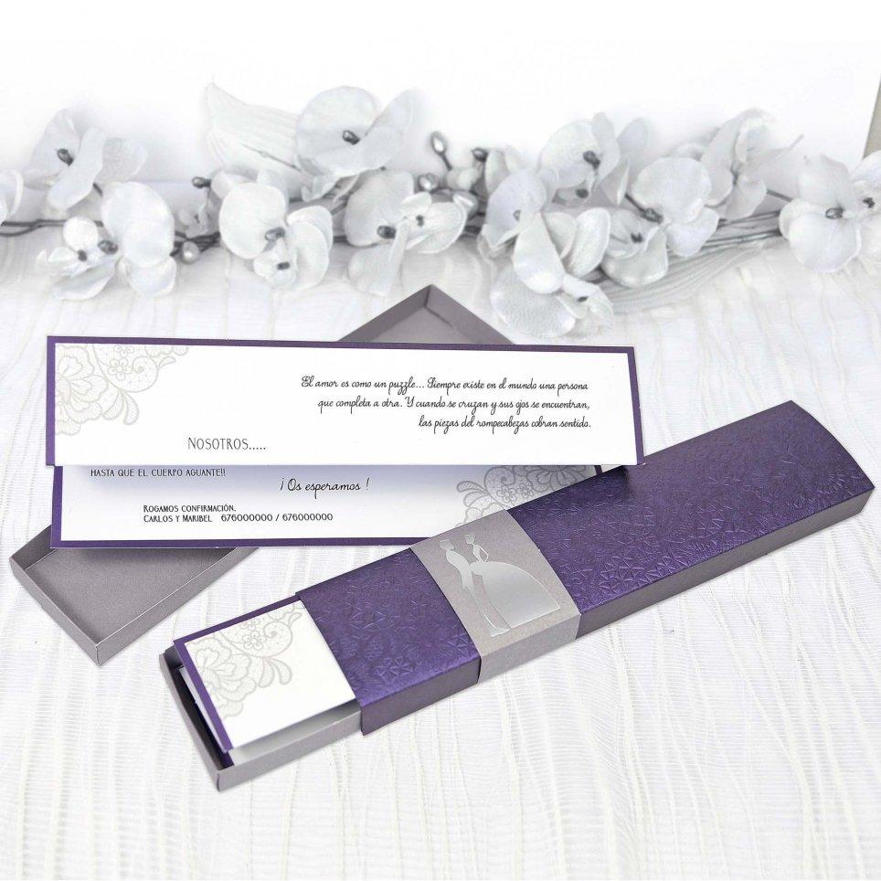 Invitación de caja morada Cardnovel 39208