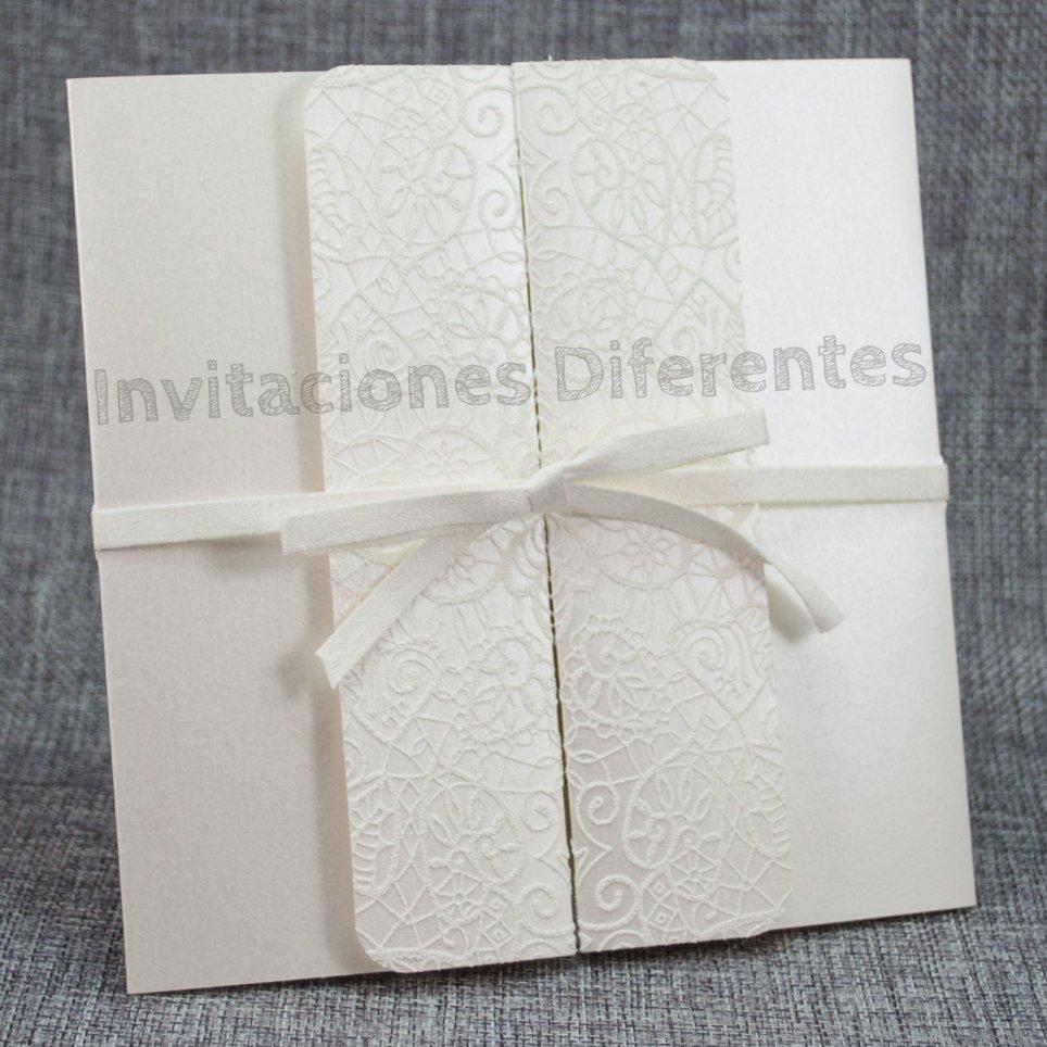 Geprägte Diptychon-Hochzeitseinladung Belarto 726025