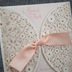 Invitación de boda flores troqueladas Belarto 726072 detalle