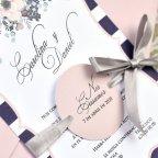 Particolare dell'invito a nozze cerchio rosa Cardnovel 39609