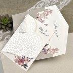 Invitación de boda corazón de pétalos Cardnovel 39612 con sobre