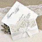 Invitación de boda puntilla y lazo Cardnovel 39621 abierta