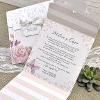 Invito a nozze fiori e foglie in rilievo Cardnovel 39623 aperto