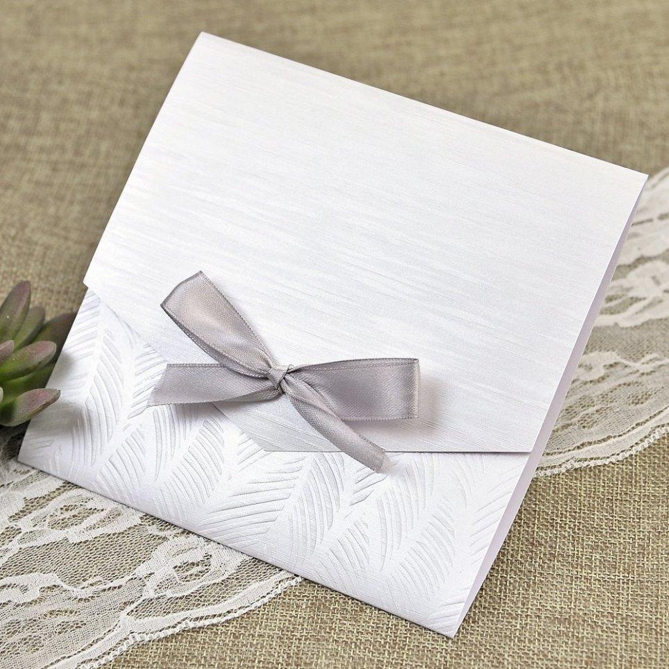 Invito a nozze in madreperla e fiocco Cardnovel 39636 all'interno