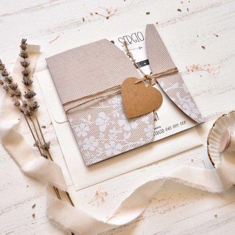 Convite em semi-envelope com coração Cardnovel 39814