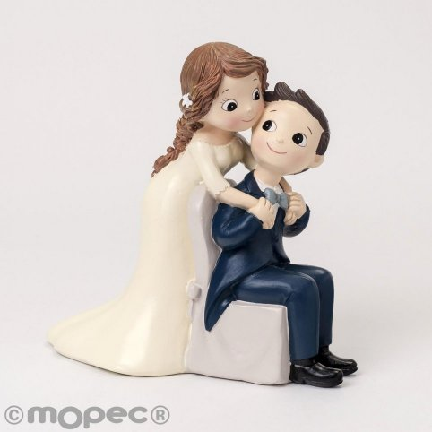 Pastel figure Pop & Fun groom sitting