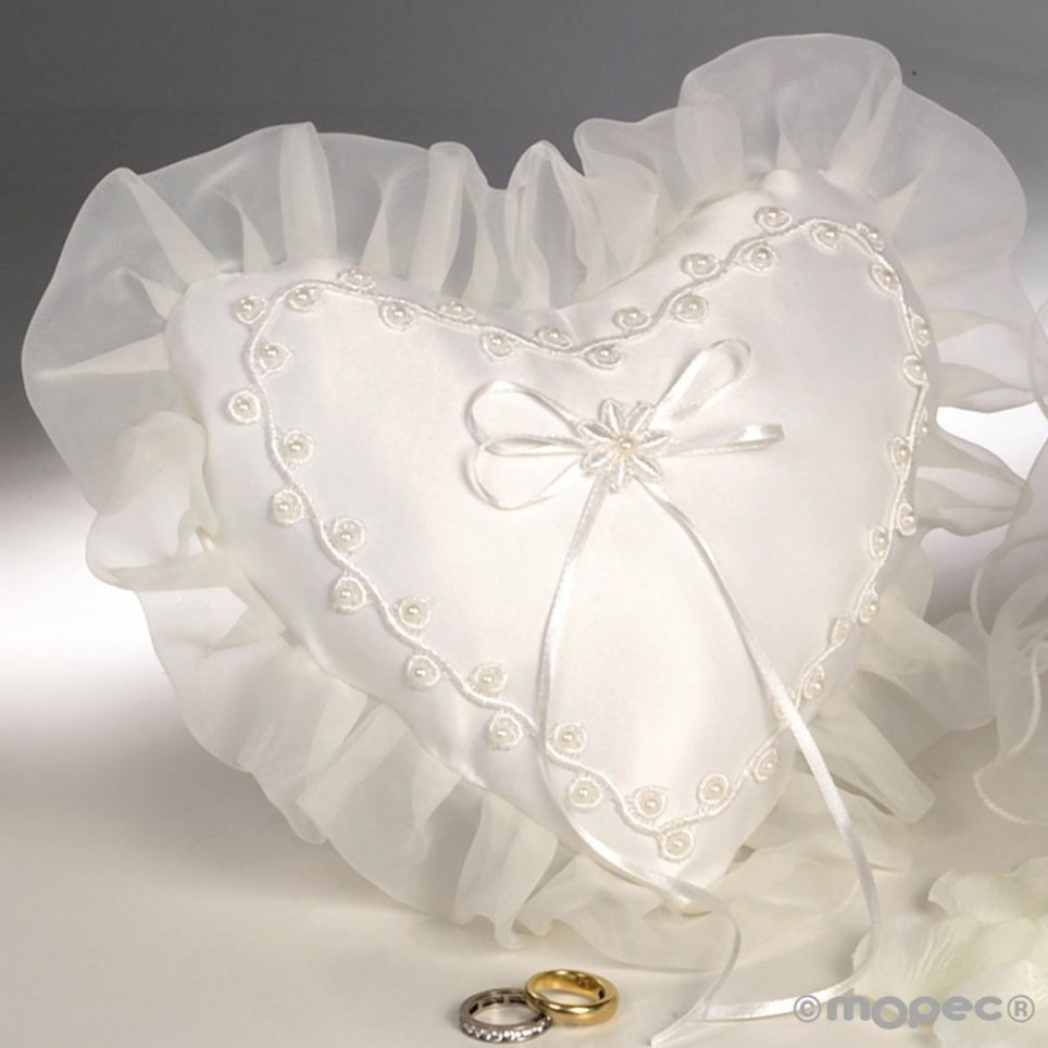 Cojín corazón alianzas perlitas marfil19x18cm