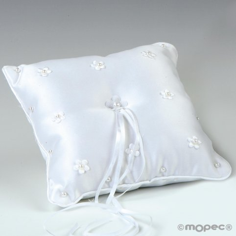 Cushion flower wedding ringes with white perlites 20x20cm
