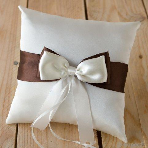 Elfenbein Allianzen Kissen braun und Elfenbein Krawatten