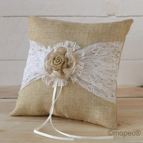 Rustic style wedding cushion toe cream 20x20cm