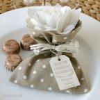 Braune Tasche 3 Pralinen mit Elfenbeinblüten 2 Texturen *
