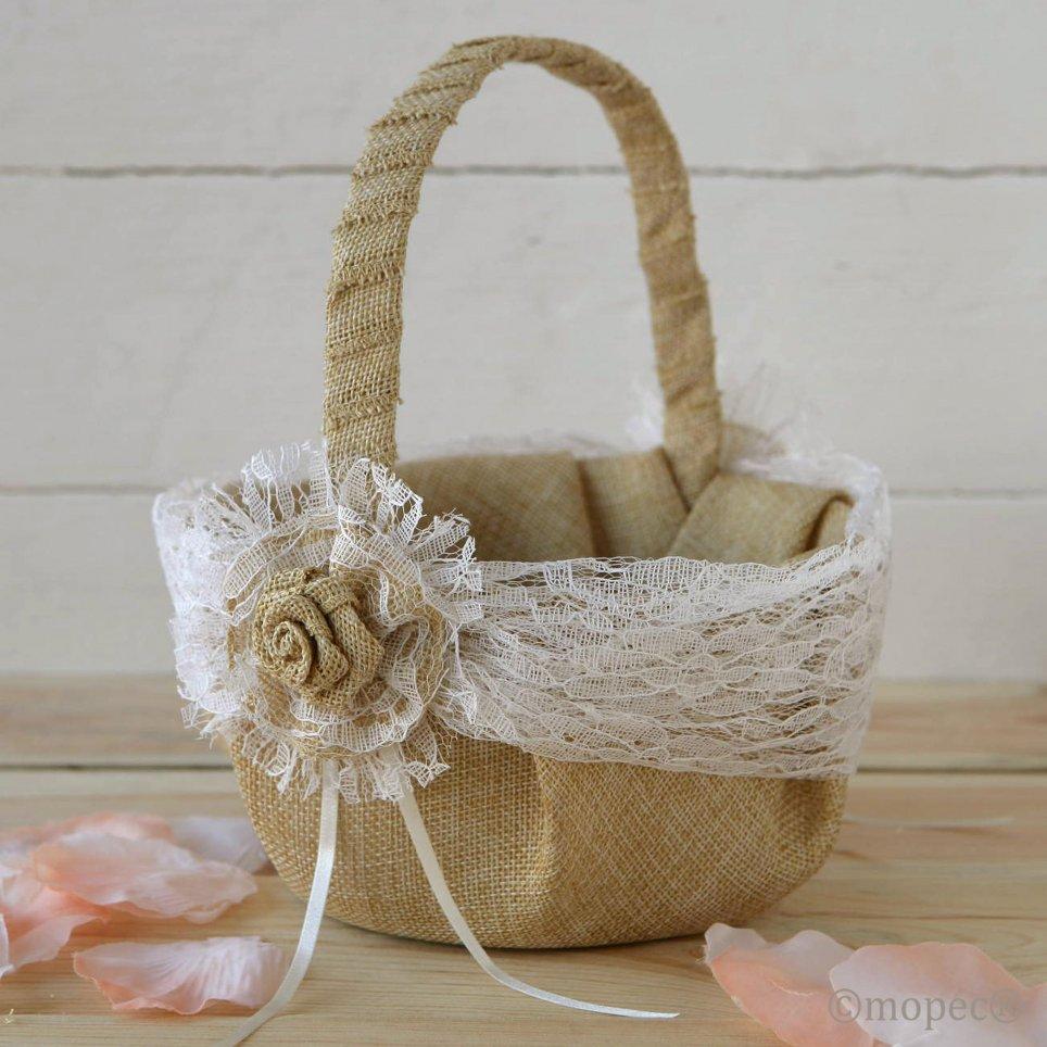 Rustic-style arras basket with cream toe