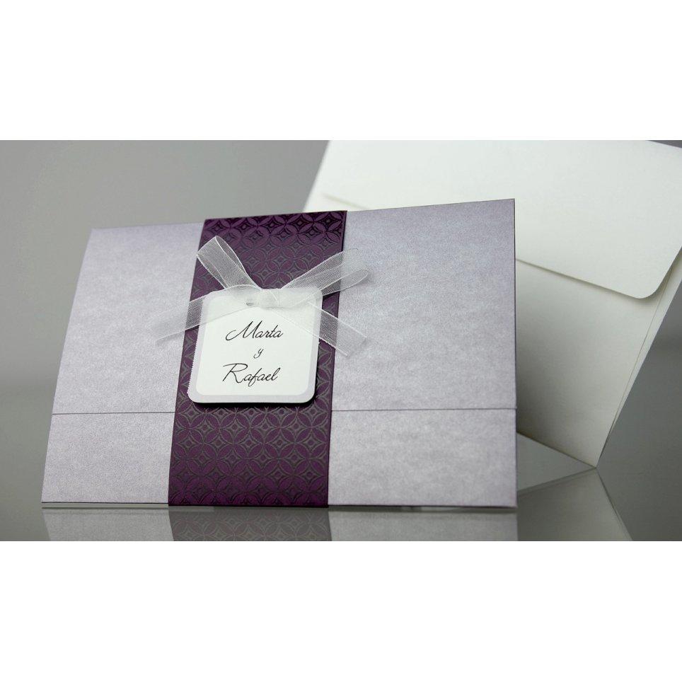 Invitación de boda violeta