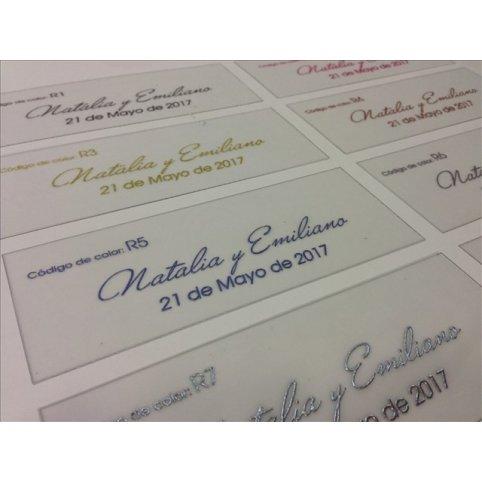 Impresión en relieve de invitaciones de boda