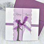 Invitación de boda solapas y lazo morado Cardnovel 39104
